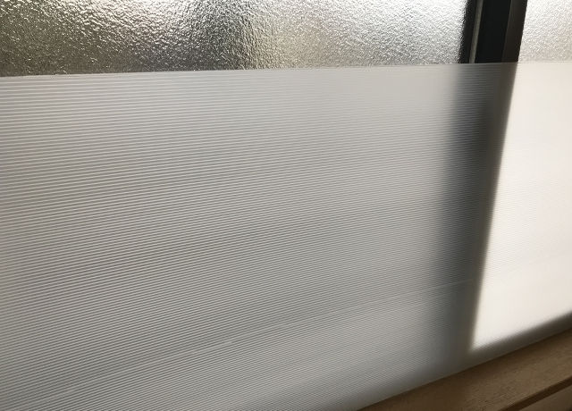 窓の寒さ対策にプラダン