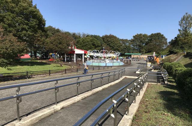 富山市ファミリーパークの遊園地