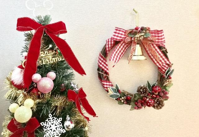 クリスマスツリーとリース